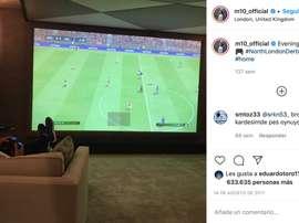 Polêmica política na Espanha por causa de post de Özil de três anos atrás. Instagram/m10_official