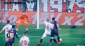 Luis Suárez pidió penalti de Kjaer. Captura/beINSports