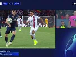 Momento em que o VAR pega o gol anulado de Gareth Bale. Captura/Movistar