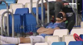 Quand Bale fait semblant de faire la sieste sur le banc. Capture/GolTV