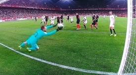 Oblak was not at his best for the Sevilla goal. Twitter/MovistarLaLiga