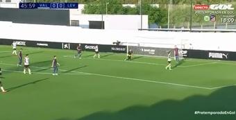 El Valencia se impuso al Levante. Twitter/Gol