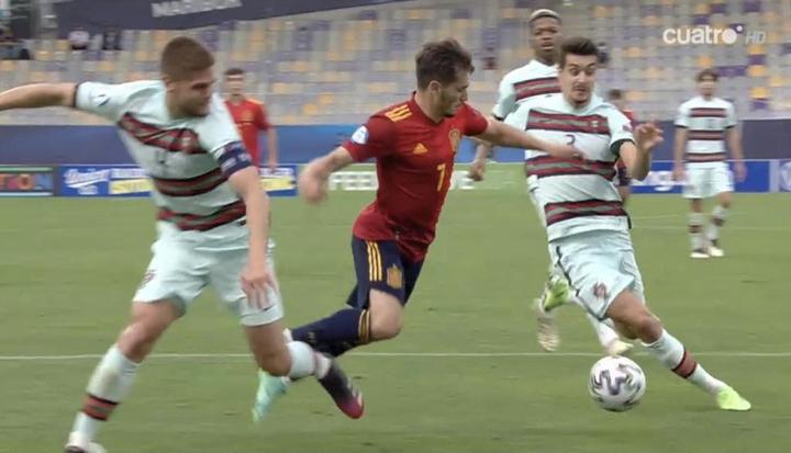 El clamoroso penalti a Brahim que reclamó España. Captura/Cuatro