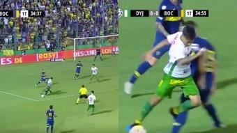 Defensa se volvió a quejar por la acción del penalti. Captura/TNTSports