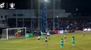 Vinicius perde, mais uma vez, uma chance na cara do gol. Captura/DAZN