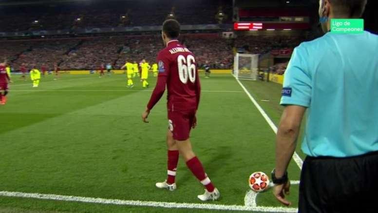 Alexander-Arnold revient sur le corner historique face au Barça. Capture/Movistar