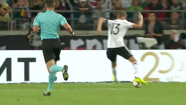 Müller sigue agrandando su leyenda. Twitter/Casadelfutbol