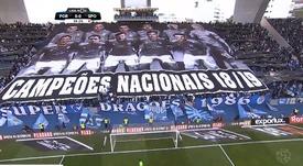 A coreografia dos Super Dragões no Clássico frente ao Sporting. Captura/ESPN