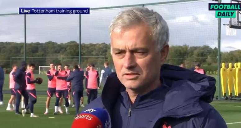 La plantilla del Tottenham se lo pasa de lujo durante los entrenos. Captura/FootballDaily