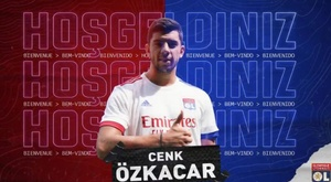 Ozkacar has been signed by Lyon. Captura/Twitter/OL