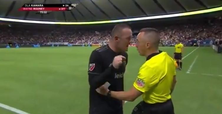 Rooney pagó con el cuarto árbitro la derrota en Vancouver ...