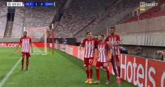 Olympiacos se adelantó con un gol de Valbuena de penalti. Captura/ZSelect