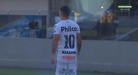 Santos usa nome de Maradona e argentinos se emocionam. Captura/Premiere