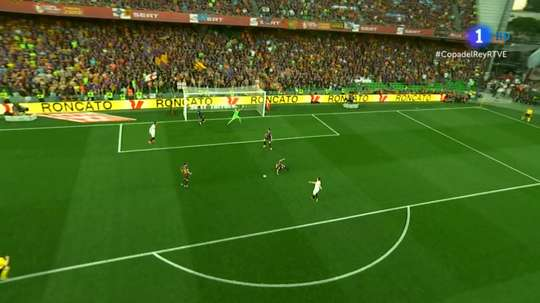 Gameiro opened the scoring for Valencia after 21 minutes. TVE