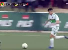 Attal tout en classe et puissance pour le deuxième but de l'Algérie. beINSports