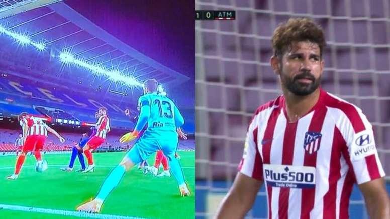 Diego Costa marca um gol contra. Capturas/MovistarLaLiga
