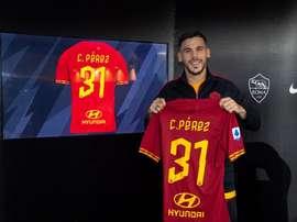 La Roma va officialiser l'achat de Carles Perez. Twitter/ASRomaEN
