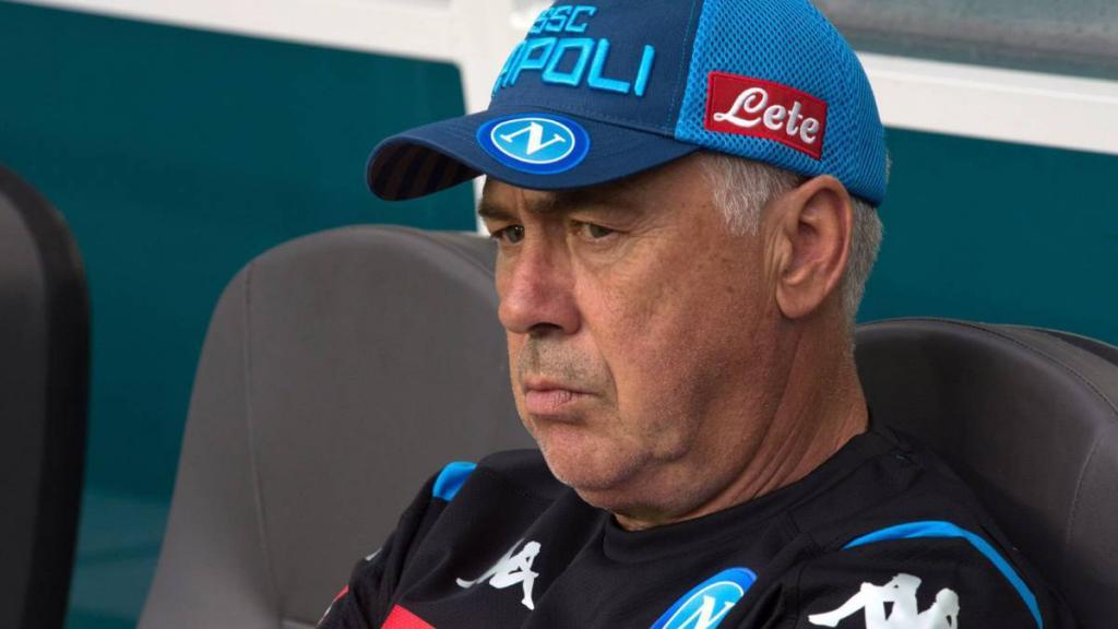 Ancelotti explota por las condiciones de los vestidores en San Paolo