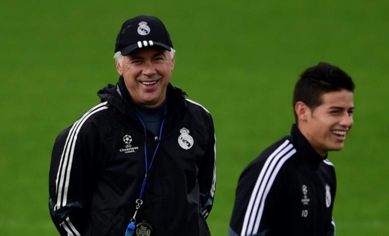 A Ancelotti le gustaría volver a tener a James en sus filas. AFP