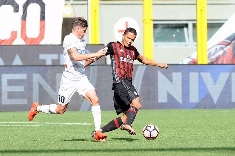 Carlos Bacca apenas apareció. Udinese