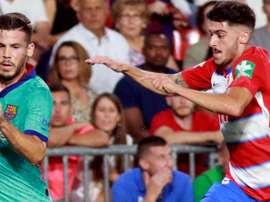 Carlos Neva se quedó en el gimnasio el viernes y es duda para el Camp Nou. EFE