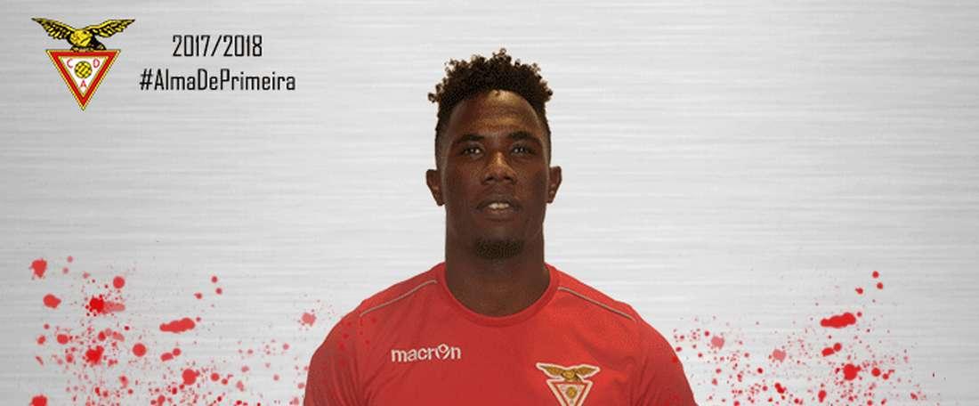Carlos Ponck se marcha cedido a Desportivo Aves. CDAves
