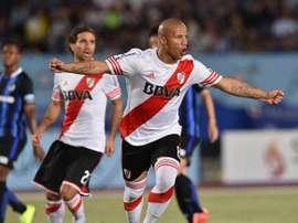 Carlos Sánchez, de River Plate, celebra el primer tanto del encuentro. Twitter