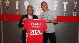 Benfica assina com zagueiro Vinícius, ex-Palmeiras e Napoli. SLBenfica
