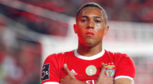 O Benfica garantiu os três pontos graças a um gol do atacante brasileiro Carlos Vinícius. SLBenfica