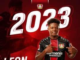Bailey renueva hasta 2023. Twitter/Bayer04fussball