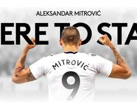 Mitrovic est officiellement un nouveau joueur de Fulham. Twitter/FulhamFC