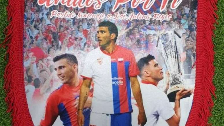 Reyes, homenajeado por el Extremadura y el Sevilla. EXT_UD