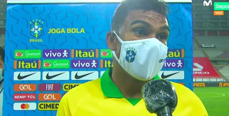 Casemiro apoyó a los árbitros del Perú-Brasil. Captura/MovistarDeportes