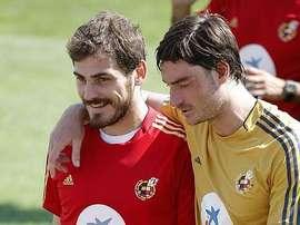 Casillas y Riera, en su etapa como internacionales españoles. EFE