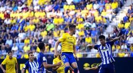 La expulsión de Ríos en el 17' marcó el partido. Twitter/Cadiz_CF