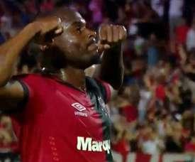 Luis Leal a imité la célébration de l'attaquant de Flamengo. Capture/TNTSports