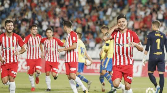 Narváez estrenó titularidad y gol con el Almería. LaLiga