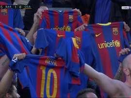 A celebração dos torcedores do Barcelona no gol de Messi ao Osasuna. beINSports