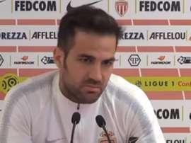 Fabregas, durante una conferenza stampa con il Monaco.