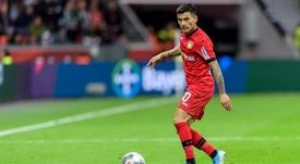 Charles Aránguiz deve deixar o Bayer Leverkusen. Twitter/bayer04_es
