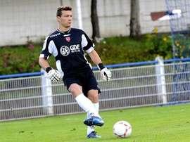 Charruau continuará defendiendo la portería del Valenciennes. Twitter