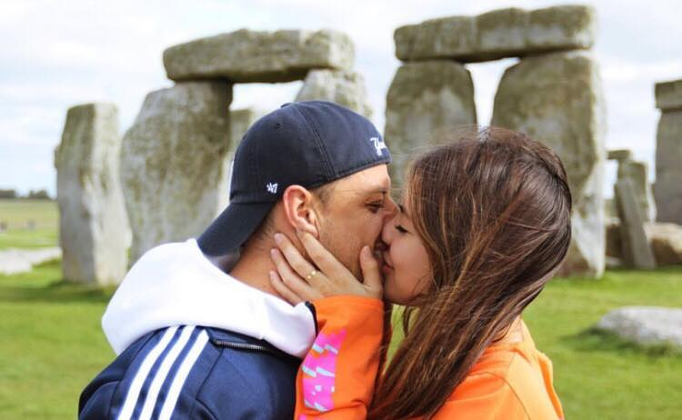 Chicharito S Partner Reveals Second Pregnancy With Full Body Nude Besoccer She has completed her schooling from bhopal and got enrolled in the mumbai university for graduation. partner reveals second pregnancy