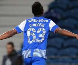 Jovem nigeriano de 20 anos vai jogar na Ligue 1. Twitter