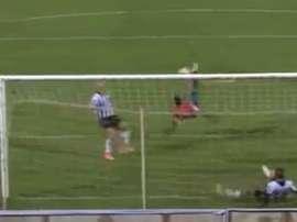 Gilbert Álvarez logró así el único tanto del choque. Youtube