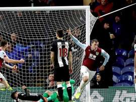 El Burnley se llevó la victoria con un gol de Chris Wood. BurnleyOfficial