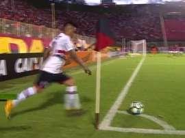Christian Cueva's sensational strike in Brazil. Twitter