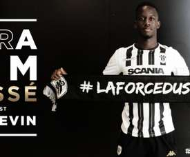 Cissé rejoint angers. Twitter/AngersSCO