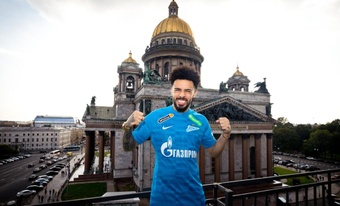 Claudinho is already in Russia. Twitter/ZenitSpB
