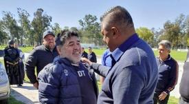 Tapia visitó a Maradona antes de la jornada. EFE