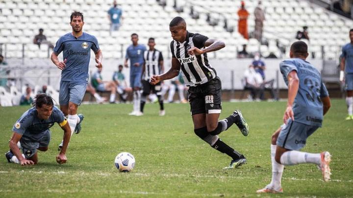 Cléber abriu o placar para o Ceará na vitória contra o Grêmio. Felipe Santos/Ceará SC